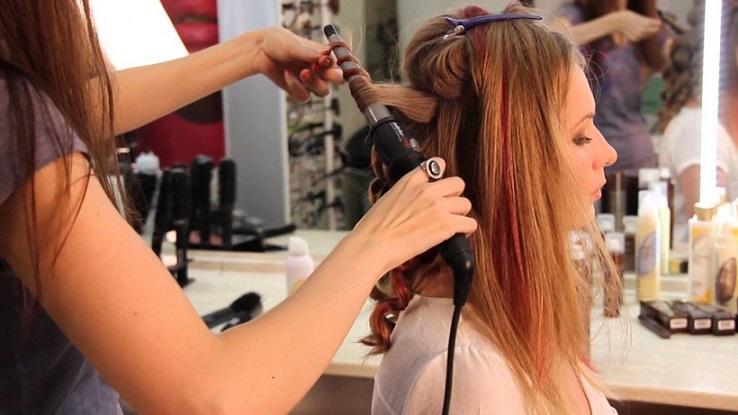 خطوات تجعيد الشعر