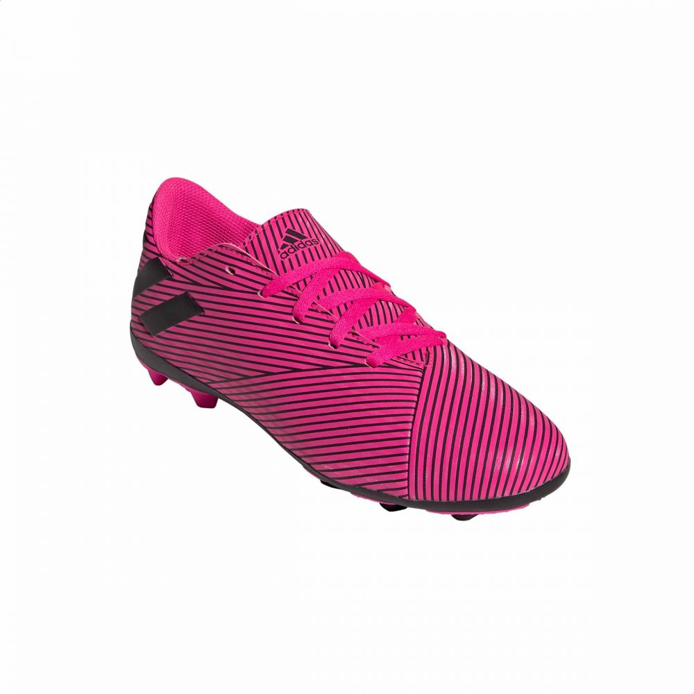 حذاء لكرة القدم للاطفال من اديداس